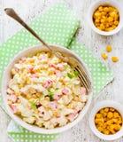 食谱与螃蟹、鸡蛋和蛋黄酱的菜用结页草 免版税库存照片