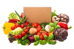 食谱的菜谱与新鲜蔬菜 免版税图库摄影