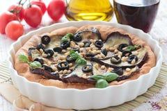 素食饼用茄子和松果 库存照片