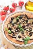 素食饼用茄子和松果 免版税库存照片