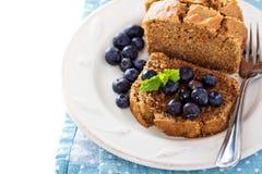 素食主义者健康苹果红萝卜甜点面包 库存照片