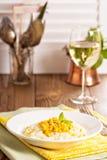 素食主义者意大利煨饭用被烘烤的玉米 库存图片