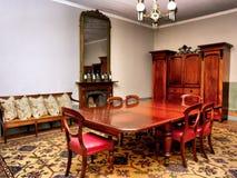 餐厅在老豪华房子里 库存图片
