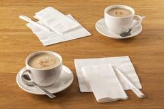 餐巾和笔 免版税图库摄影