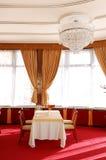 餐馆内部在luxuty旅馆 免版税库存照片