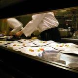 餐馆厨房的看法 免版税库存照片