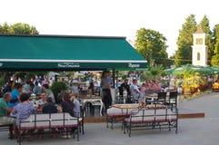 餐馆在一个小镇和海滨胜地 库存图片