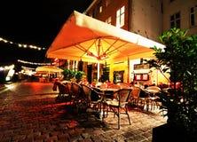 餐馆在晚上 库存图片