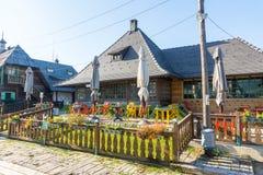 餐馆在Drvengrad,塞尔维亚 库存图片