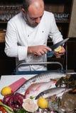 餐馆海鲜准备侍者概念 库存照片