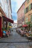 餐馆的图象的街道在莱斯旺的中心 免版税图库摄影