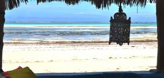 从餐馆的看法海洋的 免版税库存图片