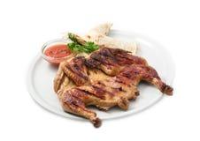 餐馆菜单餐馆菜单、鸡在格栅用调味汁和皮塔饼 免版税图库摄影