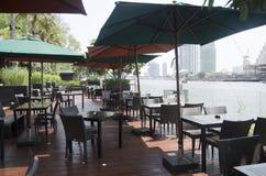 餐馆装饰现代家具室外的 免版税库存图片