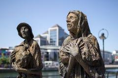 饥荒雕塑,都伯林,爱尔兰。 免版税库存图片