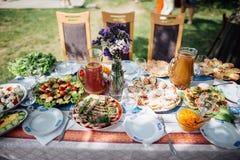 饭食在家桌 免版税库存图片