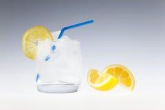 饮料刷新的夏天 库存图片