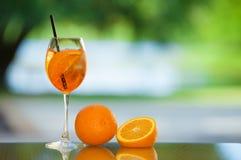 饮料和果子 免版税库存照片