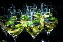 饮料在庭院里 库存图片