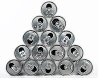 饮料罐头金字塔 免版税图库摄影