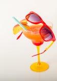 饮料装饰用果子、玛格丽塔酒玻璃、饮料staw和冰 图库摄影