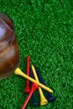 饮料高尔夫球运动员 免版税库存照片
