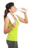 饮用的健身水妇女 免版税库存图片
