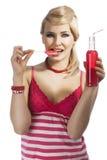 饮用的方式女孩夏天 免版税库存照片