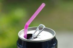 饮用的紫色秸杆 图库摄影