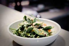饮食健康食物新鲜的绿色希腊沙拉 |开胃菜营养烹调 库存图片