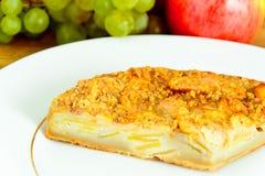 饮食和健康吃:可口苹果饼 免版税库存照片