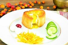 饮食和健康吃:早餐用鸡蛋 免版税库存照片