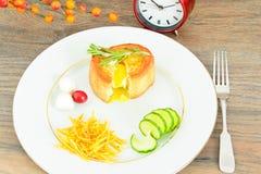 饮食和健康吃:早餐用鸡蛋 库存照片