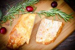 饮食和健康食物:被充塞的鸡与 库存图片