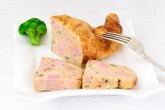 饮食和健康食物:被充塞的鸡与 免版税库存照片