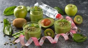 饮食绿色圆滑的人 免版税图库摄影