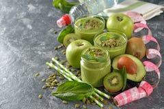 饮食绿色圆滑的人 图库摄影