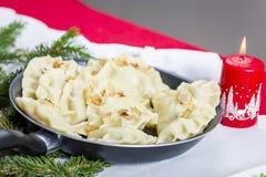 饺子-传统波兰盘 免版税库存图片