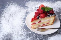饼干蛋糕用莓果 库存图片