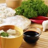 馄饨汤亚洲食物 库存图片