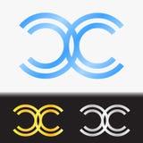 首写字母CC优质蓝色金属被转动的小写商标模板在白色背景中和在金子和银的习惯预览 库存照片