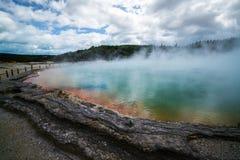 香宾水池在罗托路亚,日出的新西兰 库存图片