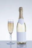香宾玻璃和瓶 免版税图库摄影