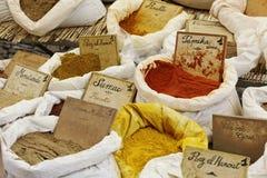 香料、Sumac、从普罗旺斯的胡椒和辣椒粉 免版税库存图片