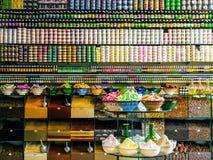 香料商店在马拉喀什 库存照片