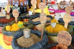 香料在主要市场上在Pointe-a-Pitre,瓜德罗普 免版税图库摄影