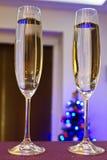 香槟二支长笛新年好 库存图片