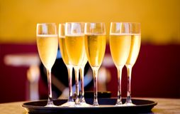 香槟充分的玻璃 图库摄影