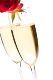 香槟日查出的玫瑰s华伦泰酒 免版税库存照片
