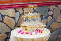 香槟装饰的杯 库存图片